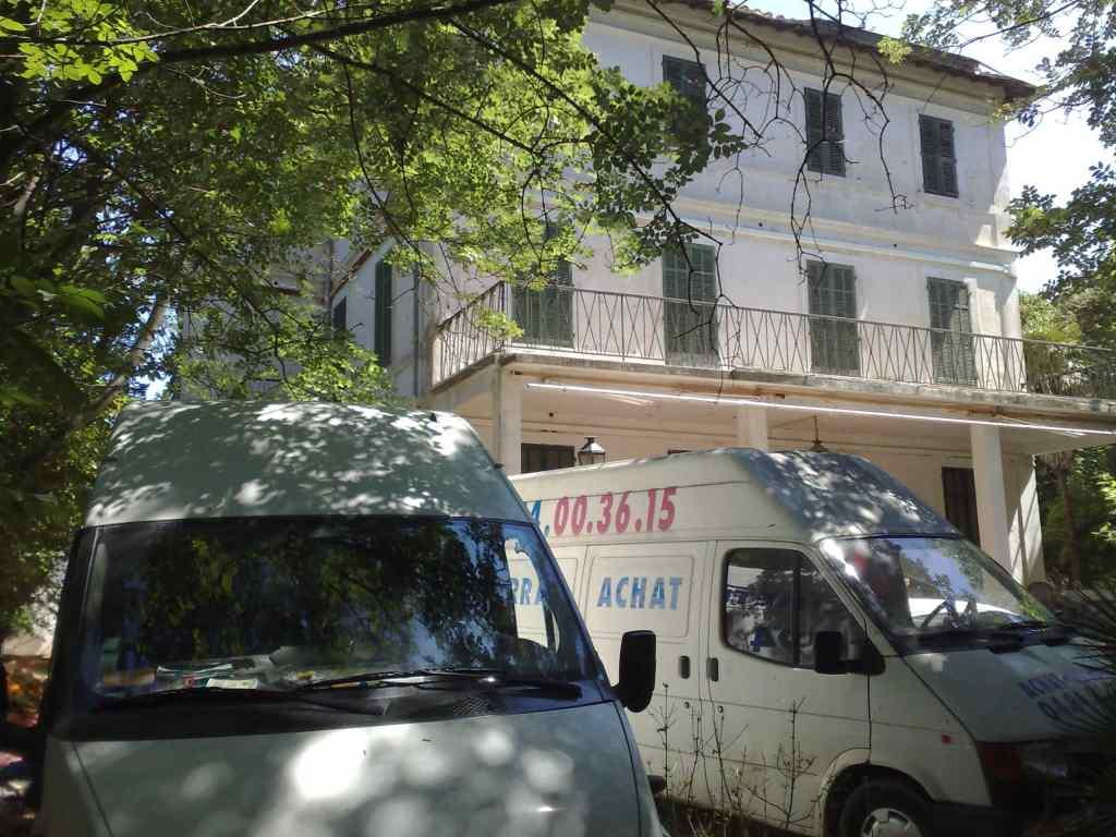 Débarras d'un bâtiment à la Moutonne prés de Hyères