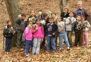 Ausflug im Wald von den Kindern der Roma-Grundschule in Cetatea Veche