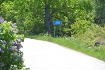 Väg 210 som leder ut till Tyrislöt
