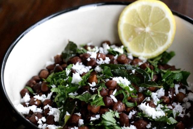 Kaale chane or Black chickpeas salad