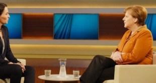 Angela Merkel ræðir við  sjónvarpskonunaAnne Will.