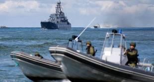 Rússneski flotinn við æfingu á Eystrasalti.