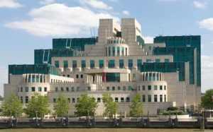 Vauxhall, höfuðstöðvar MI6 við Thames í London.