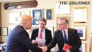 Donald Trump með viðmælendum frá Bild og The Times.