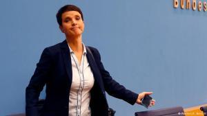 Frauke Petry, leiðtogi AfD, ætlar ekki í þingflokkinn að loknum kosningasigri.