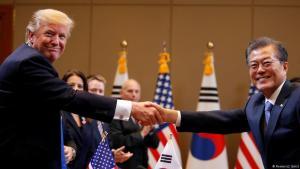 Donald Trump og Moon Jae-in, forseti S-Kóreu.