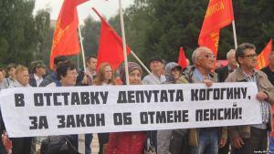 Mótmælendur í Moskvu sunnudaginn 2. september.