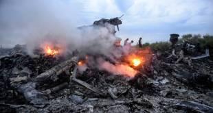 Brennandi flak MH17.