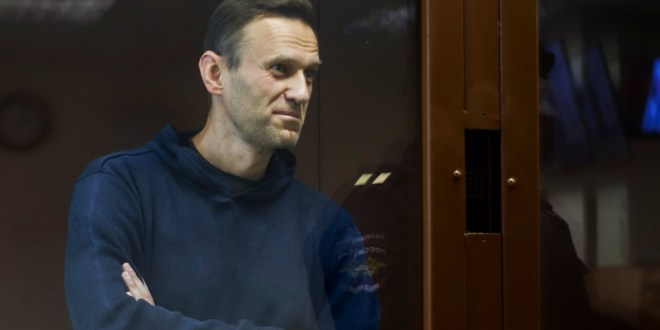 Navalníj fluttur til langdvalar í fanganýlendu