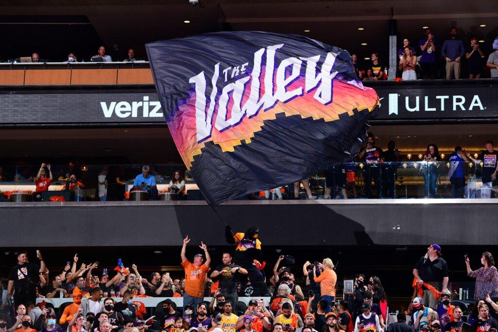 Phoenix Suns fans