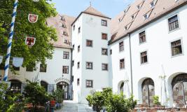 Zeughaus Hof mit Biergarten