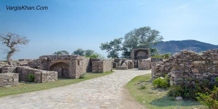 Bhangarh fort, are the hauntings related to the place a myth or reality?