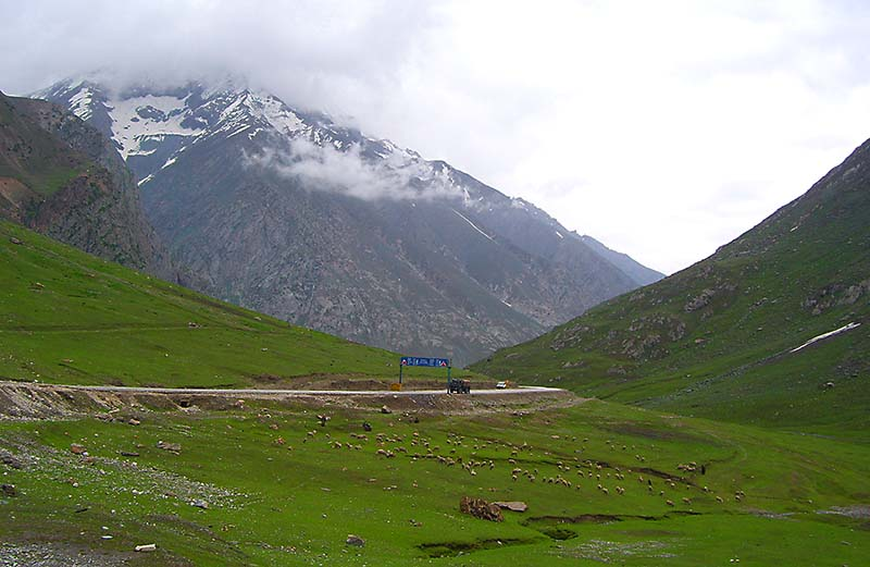 tourist attractions on srinagar leh highway