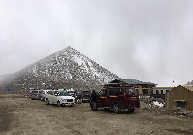 snowfall in ladakh