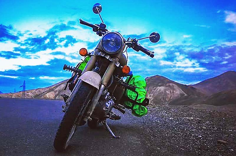 srinagar motorcycle rental rates