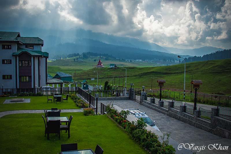 How to Plan Your Trip to Gulmarg, Kashmir - Vargis Khan