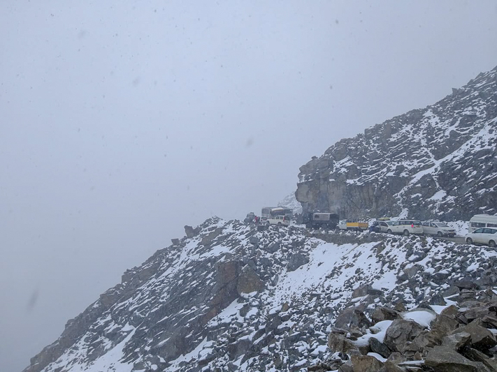 snowfall at khardung la