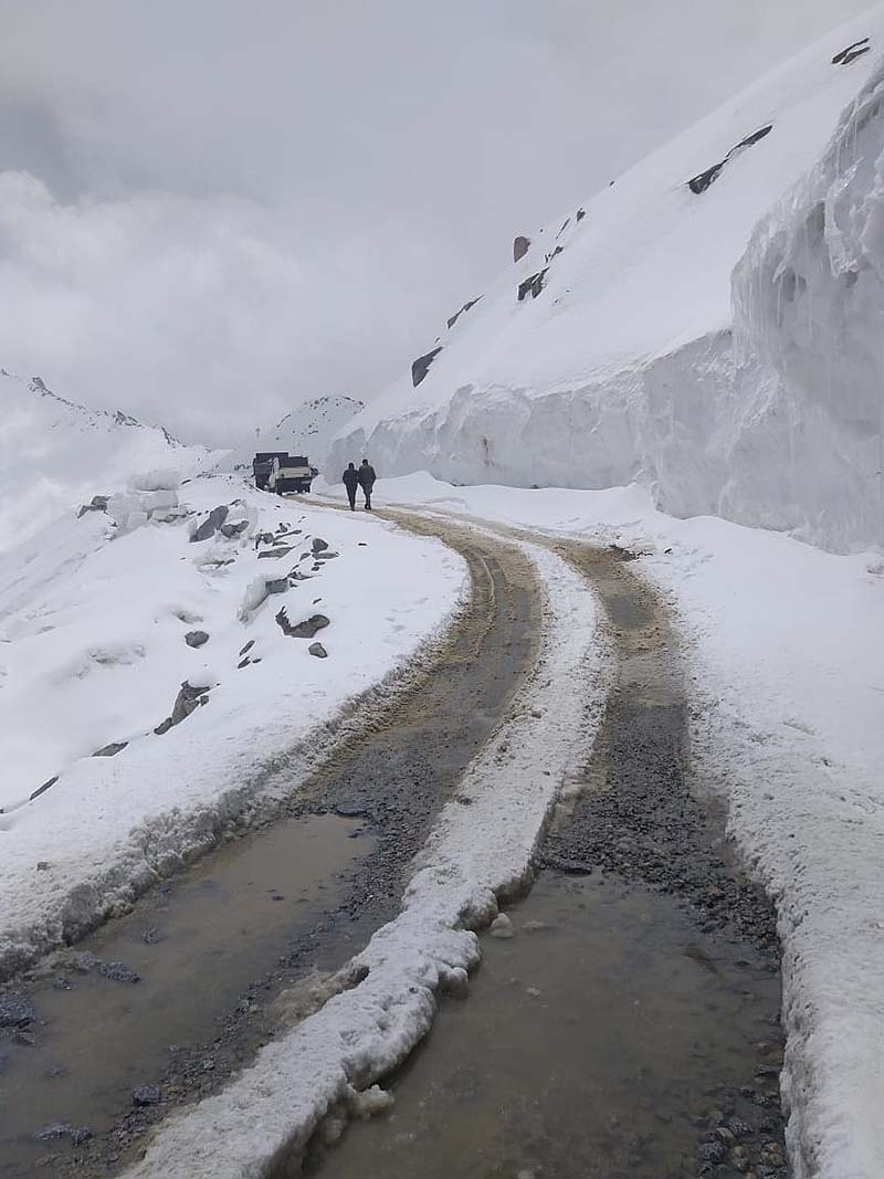 khardung la in june