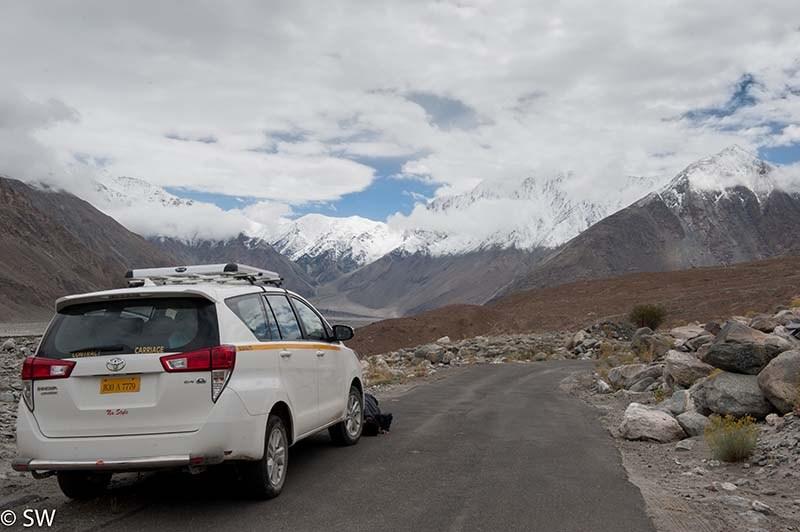 Local Taxi Service in Ladakh
