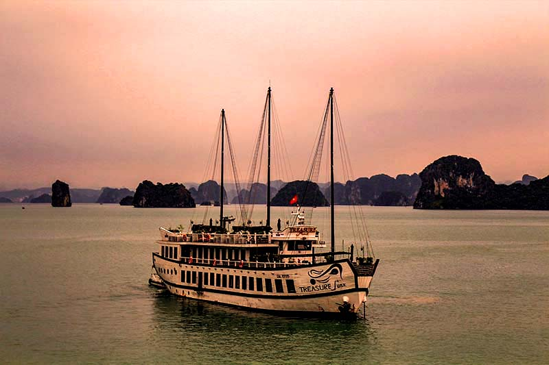 bai tu long bay cruise