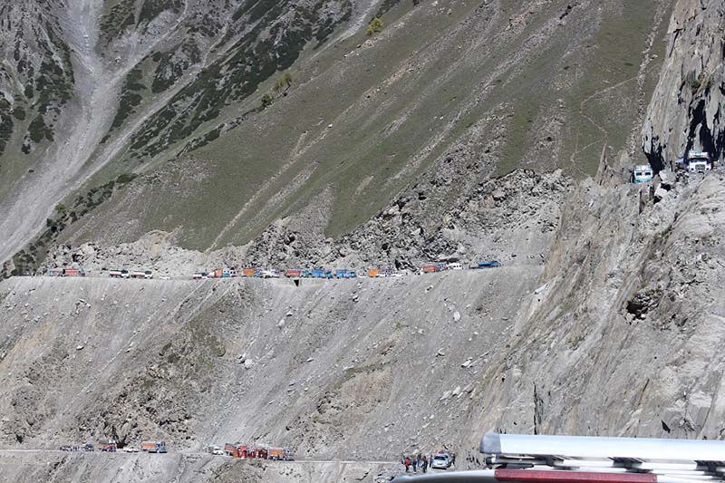 road clearning at zoji la pass