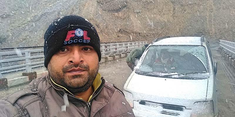 snowfall between leh to kargil