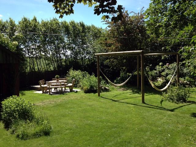 Ny hyggekrog i haven, for hele familien. Afstiverne er endnu ikke lavet på dette billede.
