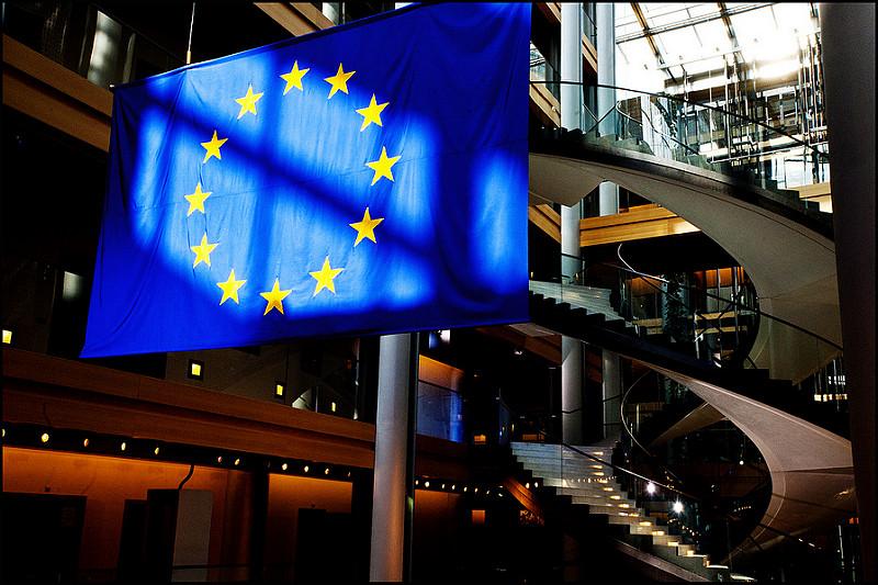 VARONA ANALIZA EL NUEVO REGLAMENTO DE LA UNIÓN EUROPEA PARA LA PROTECCIÓN DE DATOS