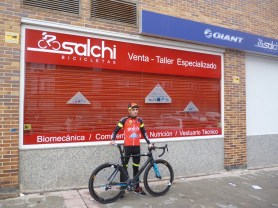 Raúl Bustillo con bici (4)