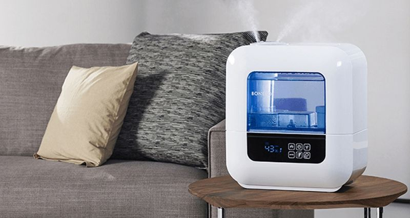 Ultrasonic air humidifier photo