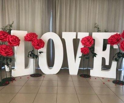Фотозона на свадьбу, заказать в Киеве