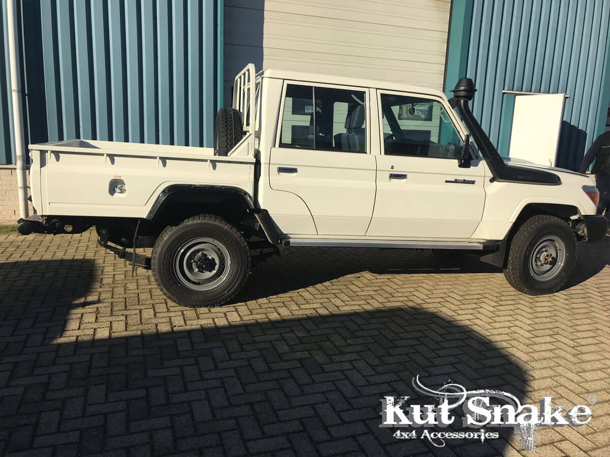 уширители kut snake Toyota LC 79 double cab pick-up 80 mm