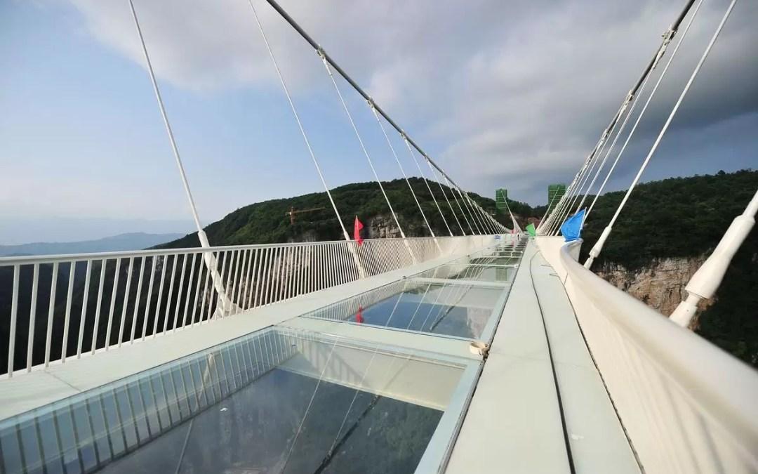 Ponte de Vidro na China – Teste de Resistência