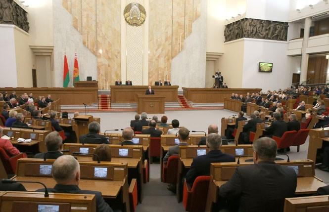 prezident_lukashenko_parlament_07102016_1