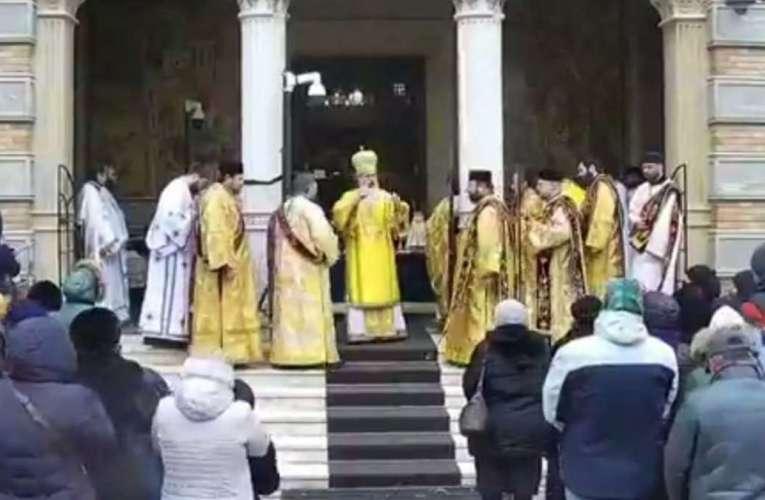 Credincioșii vasluieni, sfătuiți să respecte deciziile Patriarhiei și ale Guvernului