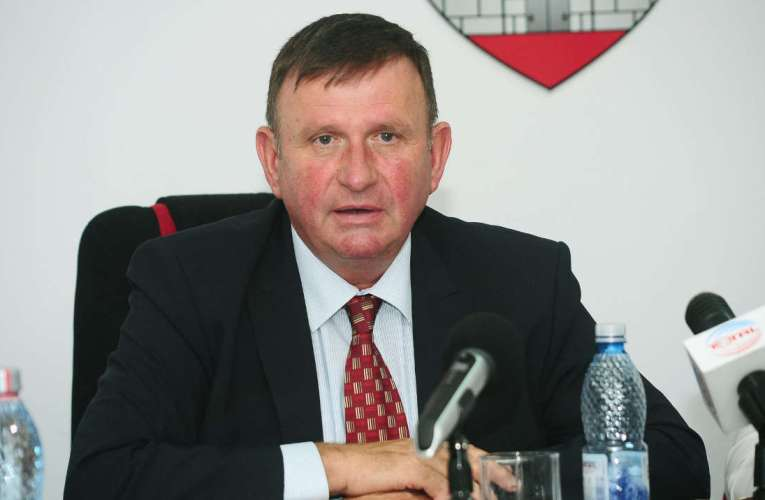 Primarul Pavăl deschide două noi casierii pentru încasarea taxelor locale