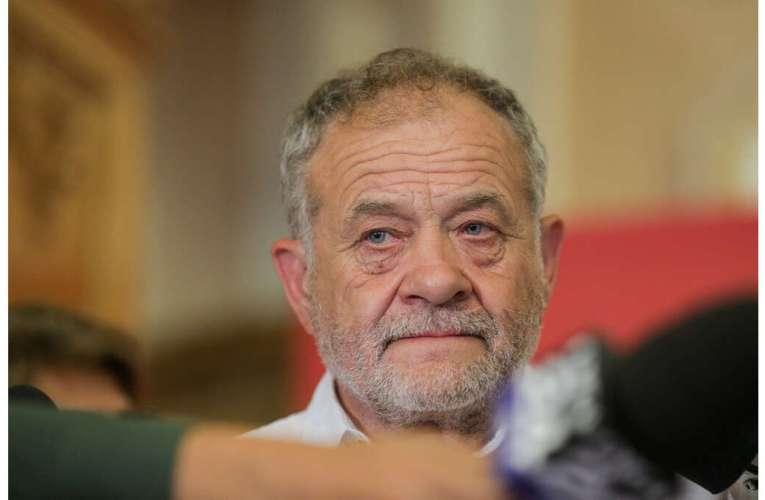 Exclusiv Vasluianul.ro – Interviu cu cel mai cunoscut politician al judetului Vaslui, Dumitru Buzatu