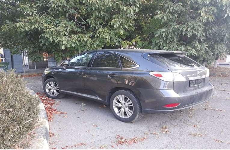 Un Lexus furat a umblat prin toată Europa. Nu a trecut de polițiștii de frontieră de la Albița!