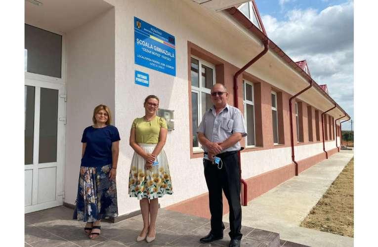Veste așteptată de copiii din Fâstâci. După 14 ani, școala lor este finalizată!