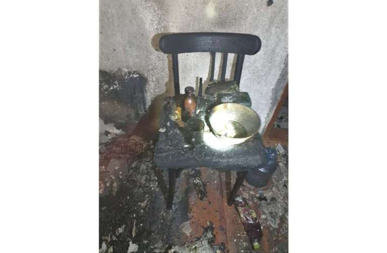 Un hușean de 61 de ani, găsit carbonizat! A ars de la o lumânare lăsată aprinsă!