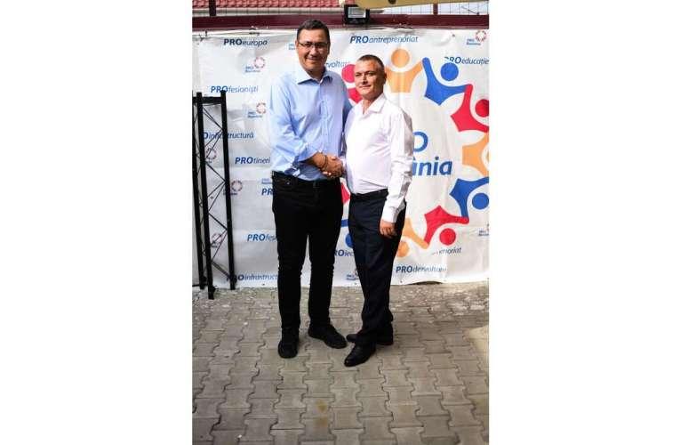 Prima poză de campanie a viceprimarului de Negrești! Cu Ponta…