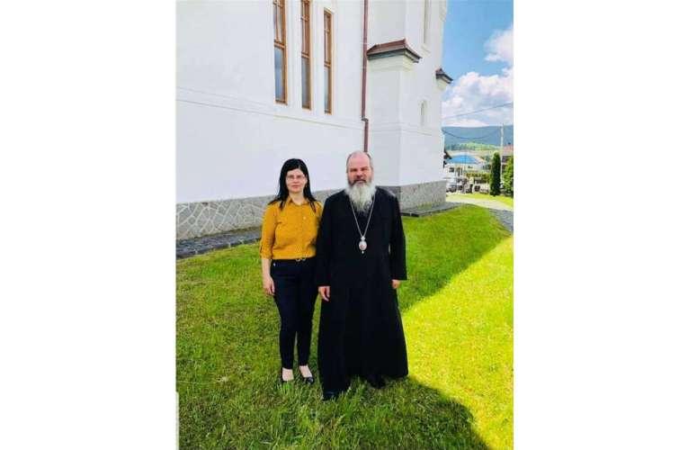 Mesaj emoționant din partea familiei, pentru Preasfințitul Părinte Ignatie, Episcopul Hușilor!