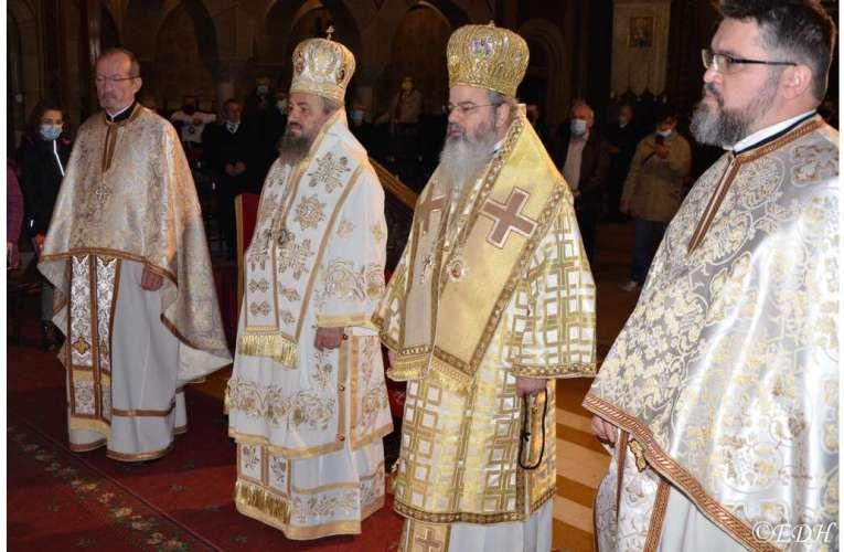 """PreaSfințitul Ignatie, în mijlocul credincioșilor din Orăștie! """"Nu se face spectacol din credință"""", spune Episcopul Hușilor"""
