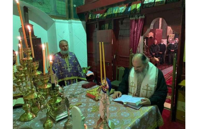 """Episcopul Hușilor, mesaj pentru credincioșii vasluieni: """"Să ne pregătim de Crăciun, Hristos să se nască în sufletele noastre"""""""