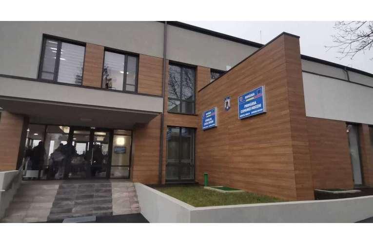 ACUM Cel mai modern sediu de primărie, inaugurat la Hoceni!