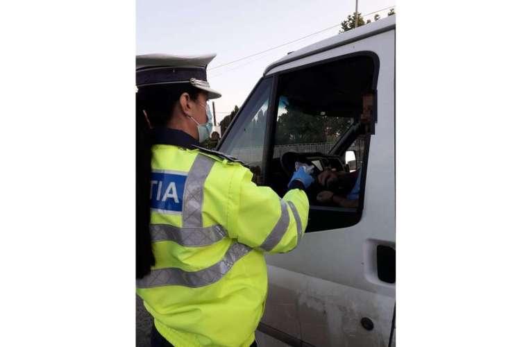 Șofer vasluian amețit de alcool, oprit de polițiști în Vaslui! Patru șoferi au rămas fără permise, din cauza tulburelului!