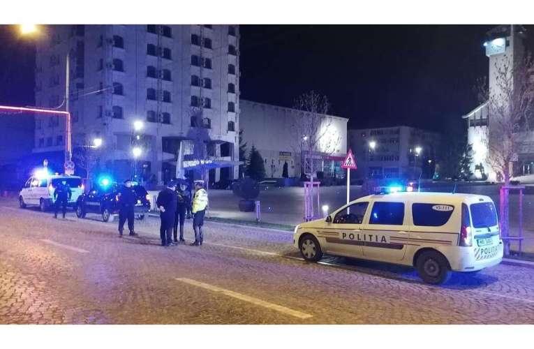 Petrecere de pomină la Secuia, în miez de noapte! Polițiștii și jandarmii au dat 26 de amenzi!
