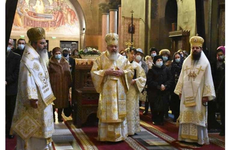 Episcopul Hușilor, slujbă în Catedrala din Cluj-Napoca! Declarația emoționantă a Prea-Sfințitului Ignatie, în fața credincioșilor clujeni!