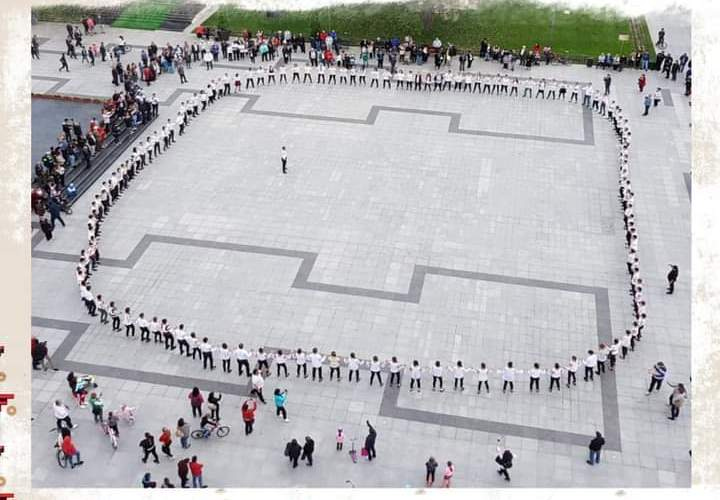 Hora Vasluiului! Flash – mob cu dans popular, la Vaslui, în centru Civic