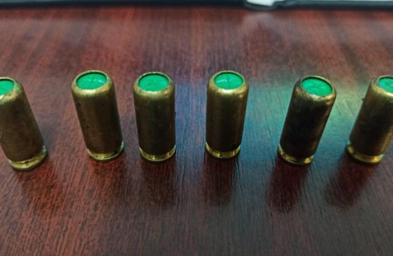 """""""Haiduc"""" moldovean prins cu 6 cartușe de 9 mm la frontieră"""